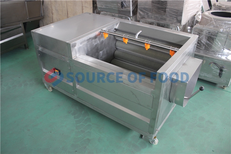 Our coconut washing machine belongs to the roller washing machine,our coconut washing machine in Indonesia is very popular